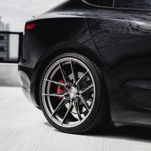 Tesla-Model-3-with-Riviera-RF107-Flow-Formed-Alloy-Wheels-47