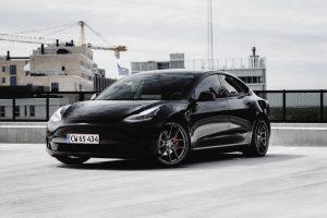 Tesla-Model-3-with-Riviera-RF107-Flow-Formed-Alloy-Wheels-86